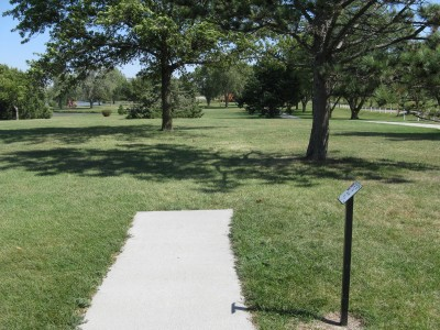 Lake Hastings, Main course, Hole 2 Tee pad