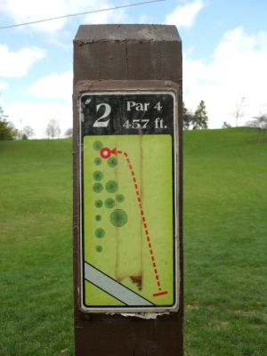 Memorial Park, Main course, Hole 2 Hole sign