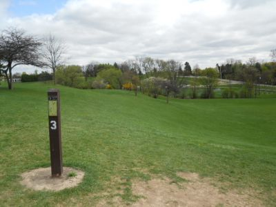 Memorial Park, Main course, Hole 3 Tee pad