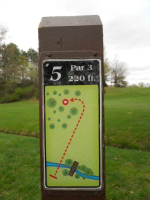 Memorial Park, Main course, Hole 5 Hole sign