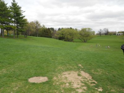 Memorial Park, Main course, Hole 4 Tee pad