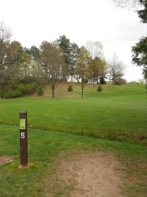 Memorial Park, Main course, Hole 5 Tee pad