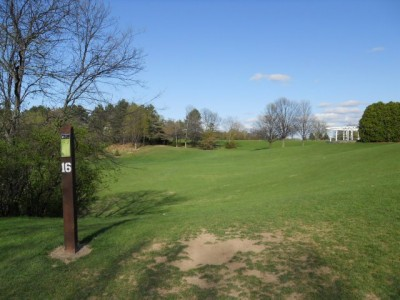 Memorial Park, Main course, Hole 16 Tee pad