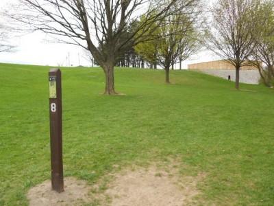 Memorial Park, Main course, Hole 8 Tee pad