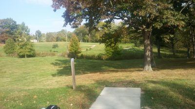 Crestmont, Main course, Hole 8 Long tee pad