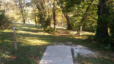 Crestmont, Main course, Hole 4 Long tee pad