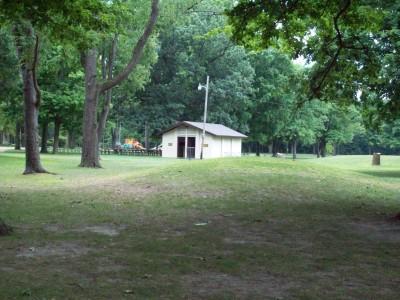 Fitzgerald Park, Main course, Hole 1 Midrange approach