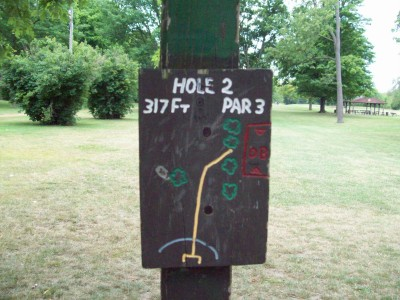 Fitzgerald Park, Main course, Hole 2 Hole sign