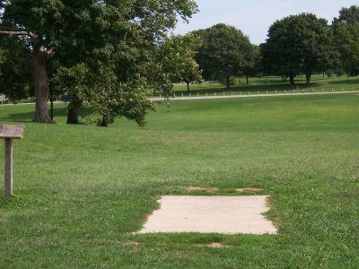 Shoaff Park, Main course, Hole 10 Tee pad