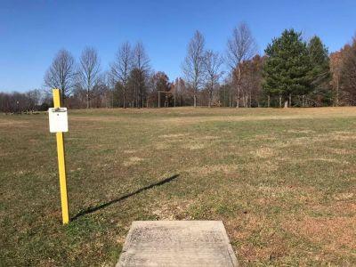 Buffalo Trace Park, Main course, Hole 13 Tee pad