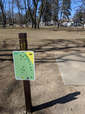 Garfield Park, Main course, Hole 17 Tee pad