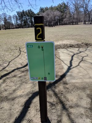 Hole 2 Garfield Park Grand Rapids Mi Disc Golf Courses Disc Golf Scene