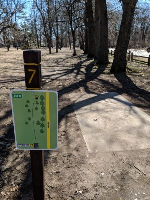 Garfield Park, Main course, Hole 7 Tee pad