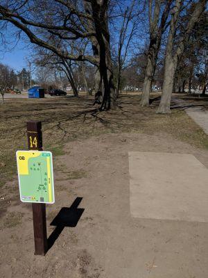 Hole 14 Garfield Park Grand Rapids Mi Disc Golf Courses Disc Golf Scene