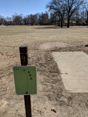 Garfield Park, Main course, Hole 9 Tee pad