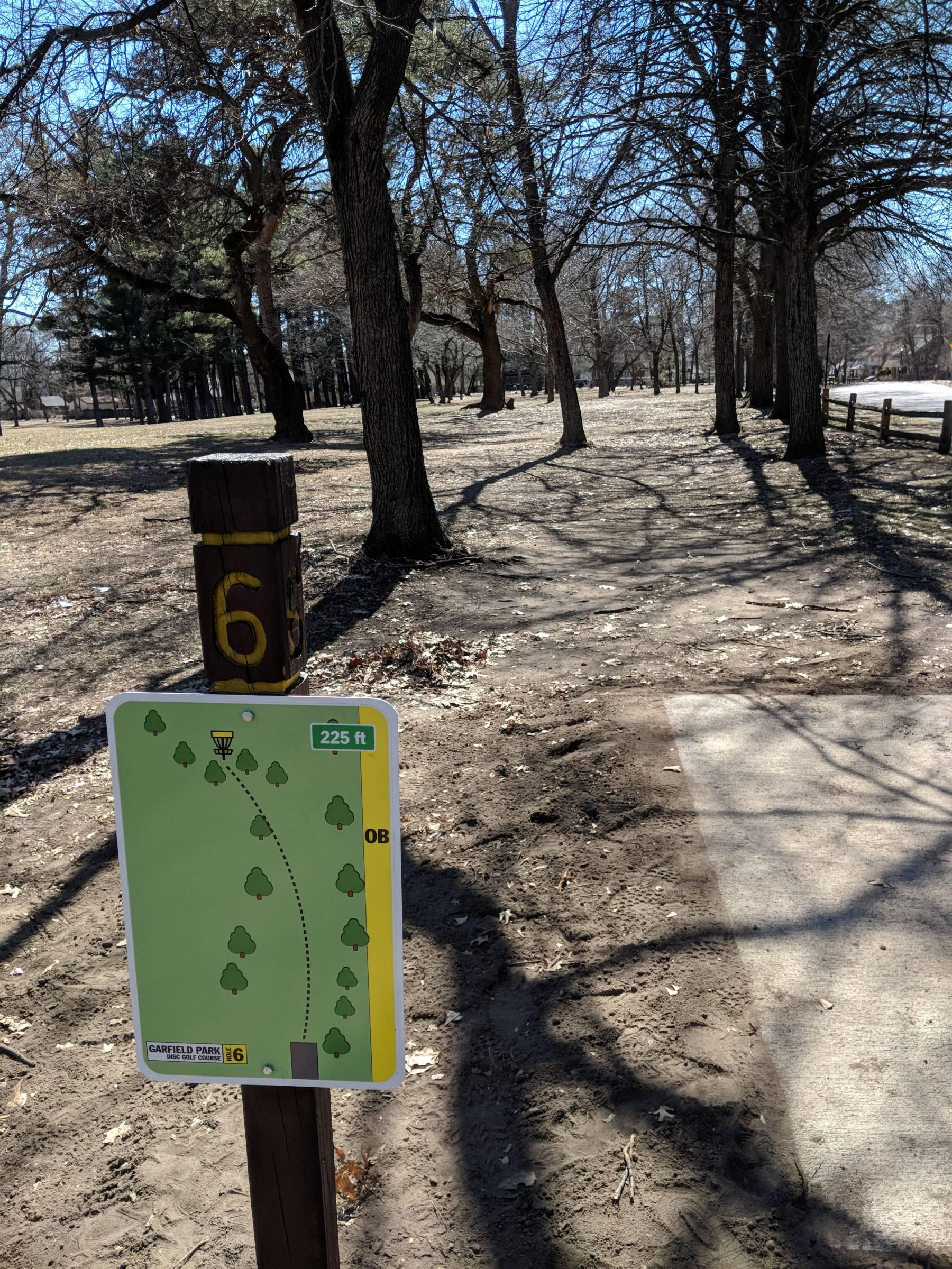 Hole 6 Garfield Park Grand Rapids Mi Disc Golf Courses Disc Golf Scene