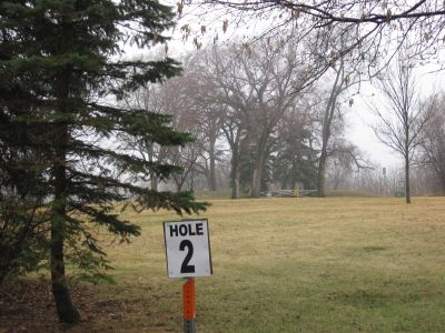 Lincoln Drive Park, Main course, Hole 2 Tee pad