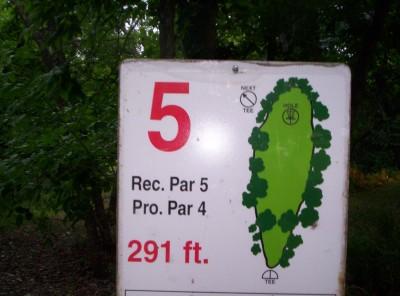 Seaman Park, Main course, Hole 5 Tee pad