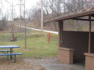 Riverside Park, Main course, Hole 6 Short approach