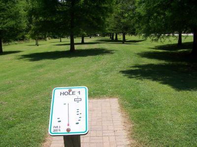Sunset Park, Main course, Hole 1 Tee pad