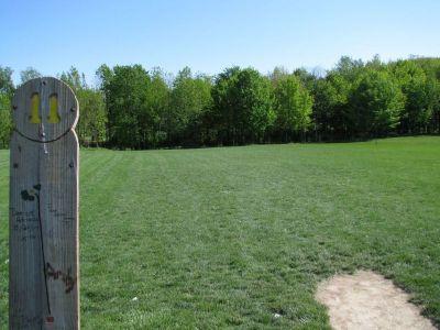 Old Farm Park, Main course, Hole 11 Tee pad