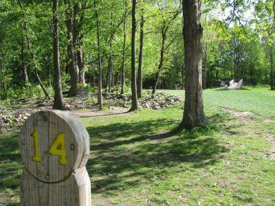 Old Farm Park, Main course, Hole 14 Tee pad