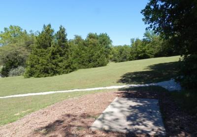 Joseph C. Miller DGC @ Binder Lake Park, Main course, Hole 4 Tee pad
