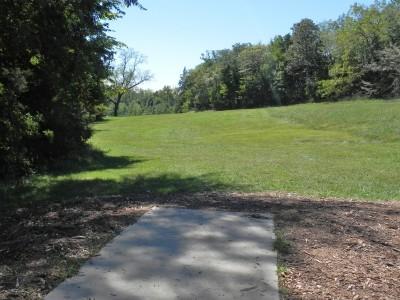 Joseph C. Miller DGC @ Binder Lake Park, Main course, Hole 9 Tee pad