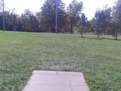 Grubaugh Park, Main course, Hole 1 Tee pad