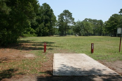 Trophy Lakes, Main course, Hole 5 Middle tee pad