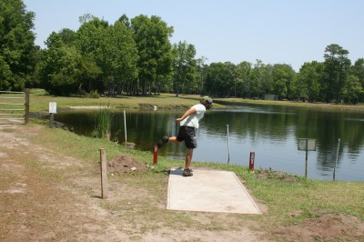 Trophy Lakes, Main course, Hole 6 Middle tee pad