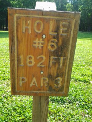 Holmes Park, Main course, Hole 6 Hole sign