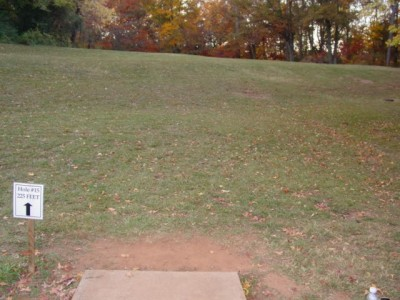 Timmons Park, Main course, Hole 15 Tee pad