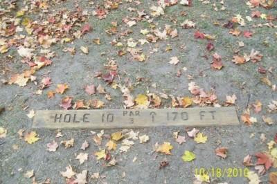 Hughes Park, Main course, Hole 10 Hole sign