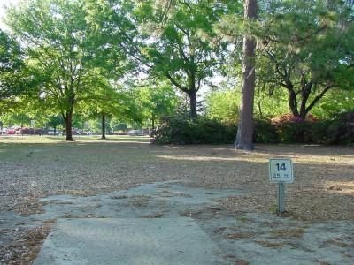 Park Circle, Main course, Hole 14 Tee pad