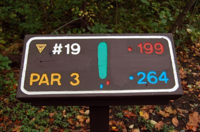 Willow Metropark, Main course, Hole 19 Hole sign