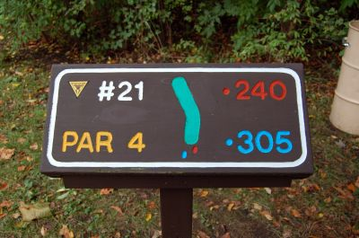 Willow Metropark, Main course, Hole 21 Hole sign