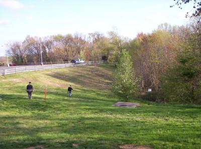 Giles Run @ Laurel Hill Park, Main course, Hole 3 Short tee pad