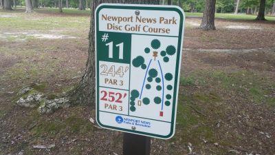 Newport News DGC, Main course, Hole 11 Hole sign