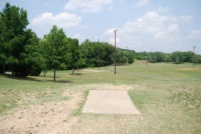 Gillies Creek Park, Main course, Hole 5 Short tee pad