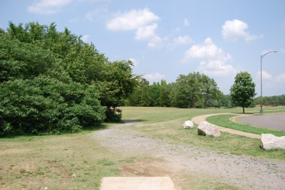 Gillies Creek Park, Main course, Hole 4 Tee pad
