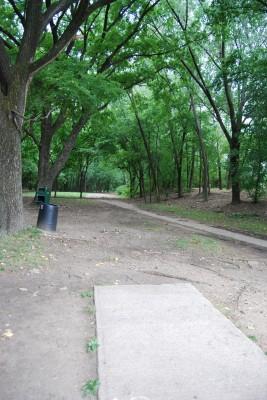 Gillies Creek Park, Main course, Hole 12 Tee pad