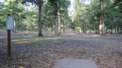 Bayville Park, Main course, Hole 10 Tee pad