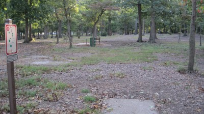 Bayville Park, Main course, Hole 8 Tee pad