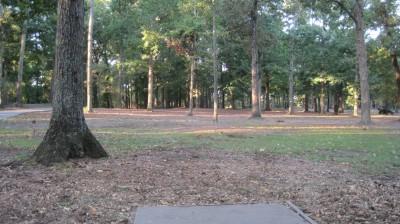 Bayville Park, Main course, Hole 1 Tee pad