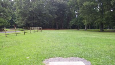 Munden Point, Main course, Hole 5 Short tee pad