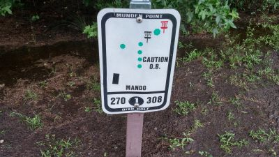 Munden Point, Main course, Hole 1 Hole sign