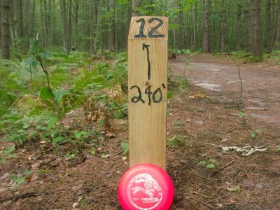 Log Lake Park, Main course, Hole 12 Hole sign