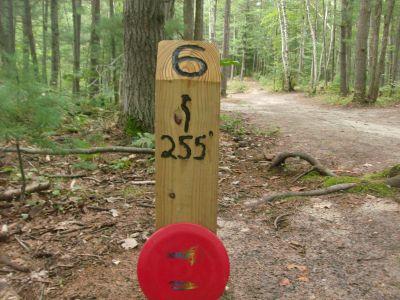 Log Lake Park, Main course, Hole 6 Hole sign
