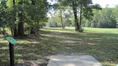 New Quarter Park, Main course, Hole 2 Tee pad